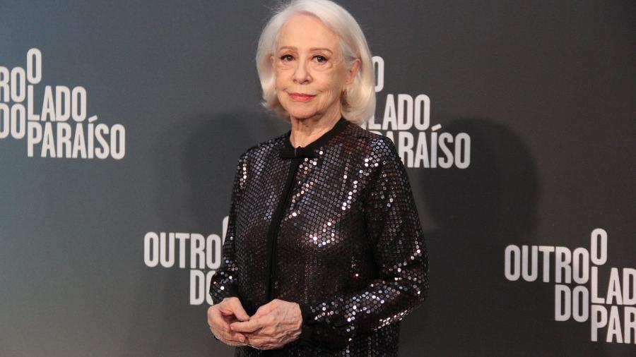 """Fernanda Montenegro vai ao lançamento de """"O Outro Lado do Paraíso"""" - AgNews"""