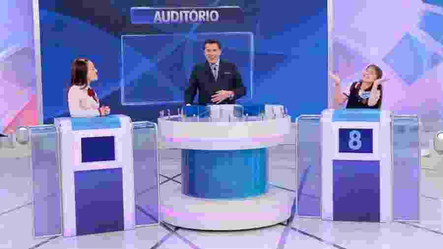 """Silvio Santos recebe Larissa Manoela e Sophia Valverde para o """"Jogo das Três Pistas"""" - Divulgação/SBT"""