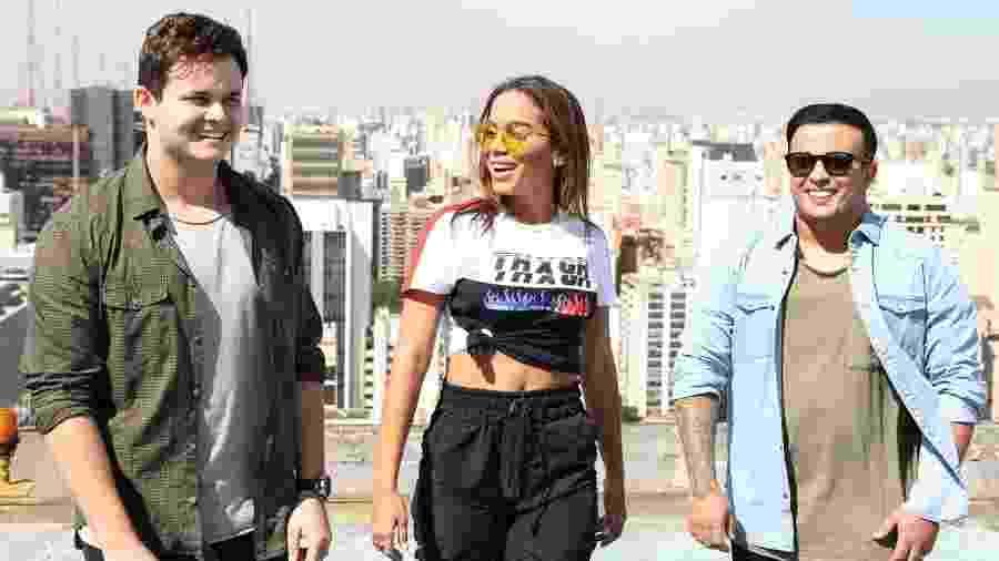 """Matheus, Anitta e Kauan. Dupla sertaneja lançou a música """"Ao Vivo e a Cores"""" com a cantora como convidada - Deividi Correa/AgNews"""