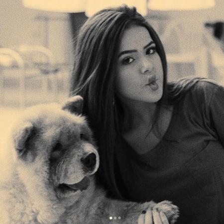 Maisa Silva posta foto com seu cachorro Pipoca, que morreu aos 9 anos - Reprodução/Instagram