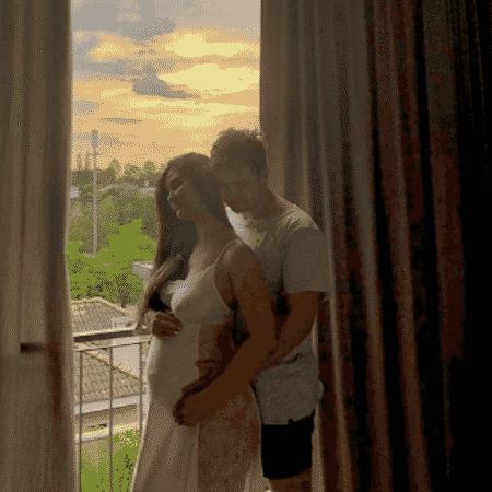 Resultado de imagem para Matheus, da dupla com Kauan, comemora que será pai pela segunda vez