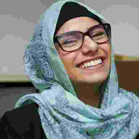 Mia Khalifa com lenço na cabeça - Reprodução