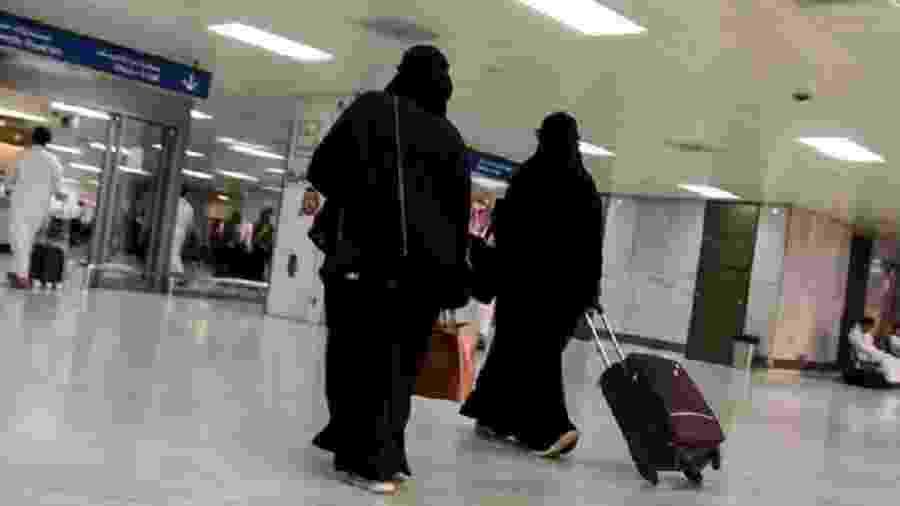 Mulheres sauditas no saguão de embarque do aeroporto de Jeddah em agosto de 2019 - AFP/Getty Images