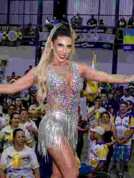 Tati Minerato é a nova musa da escola de samba Águia de Ouro - Reprodução / Instagram @aguiadeouro