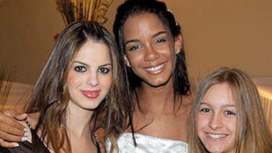 BBB 21: Sthefany Brito, Morena Mariah Couto e Carla Diaz na festa da debutante - Reprodução/Twitter