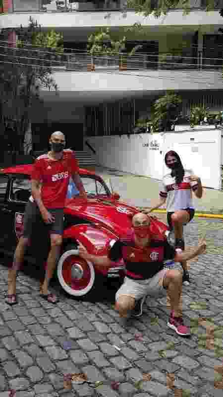 Da esq. para a dir.: o jogador de basquete Marquinhos, Smigol e a ex-nadadora do Fla Mariana Brochado - Arquivo pessoal - Arquivo pessoal
