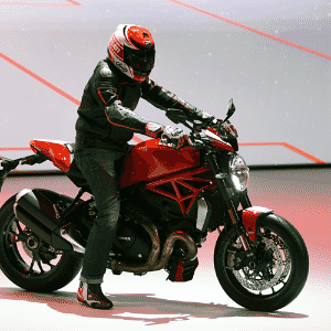 Ducati Monster 1200 R - Murilo Góes/UOL