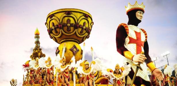 """Império de Casa Verde foi campeã do Carnaval de São Paulo 2016 com o tema """"Império dos Mistérios"""" e escolheu o horário do desfile do próximo ano - Junior Lago/UOL"""