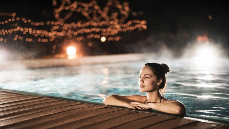 A piscina de casa pode ser aproveitada mesmo nos dias de frio, basta aquecê-la - Getty Images