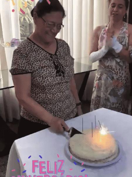 """Graciele Lacerda registrou a hora do """"Parabéns"""" para a sogra, Dona Helena - Reprodução/Instagram - Reprodução/Instagram"""