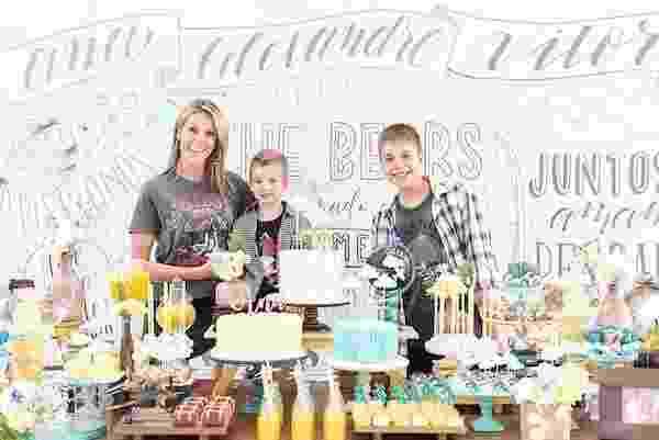 A apresentadora Ana Hickmann celebrou seu aniversário com o filho e o sobrinho - Juliana Laporta