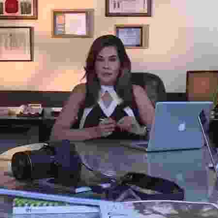 Leniza Krauss grava vídeo de sua agência de comunicação - Reprodução - Reprodução