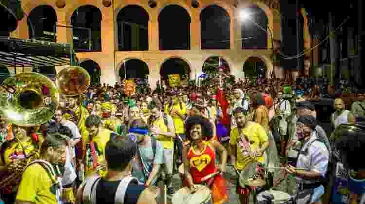 Bloco Besame Mucho, na Lapa, durante o Carnaval 2019 - Luciola Villela/UOL - Luciola Villela/UOL