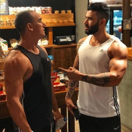 Gusttavo Lima com um amigo - Reprodução/Instagram