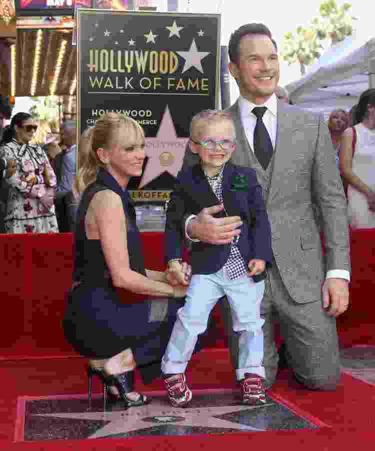 Anna Faris e Chris Pratt posam com o filho, Jack Pratt, em 2018 - Getty Images - Getty Images