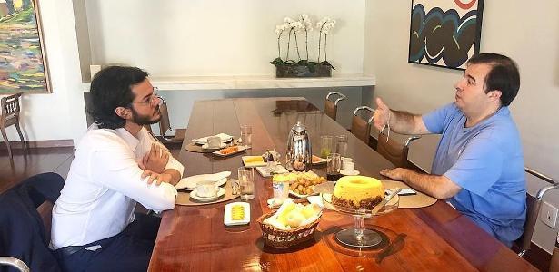 Deputados federais | Túlio Gadêlha publica foto com Rodrigo Maia e revolta famosos