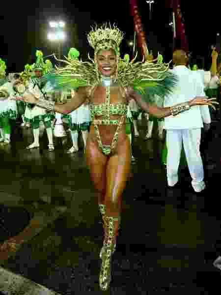 Pela Imperatriz Leopoldinense, cantora Iza agita Marquês de Sapucaé no Carnaval - Rogério Fidalgo/AgNews