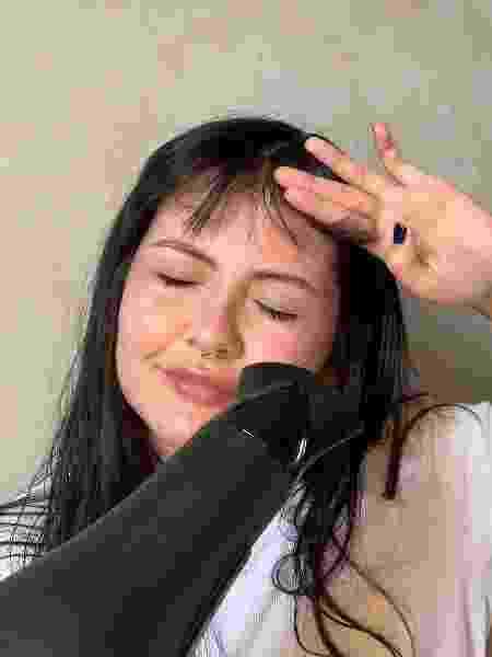 Franja com lenço - foto 3 - Natália Eiras - Natália Eiras