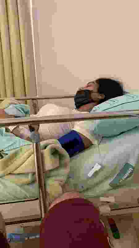 Claudia passou por outra cirurgia de emergência em abril desse ano. Thiago aproveitou a ocasião para pedir a namorada em casamento - Arquivo Pessoal - Arquivo Pessoal