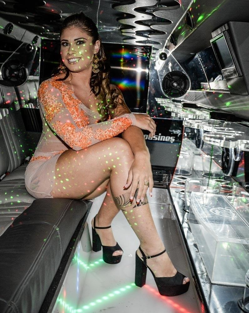"""8.set.2015 - Rita Mattos, mais conhecida como a """"Gari Gata"""", lançou seu ensaio nu na noite desta terça-feira (8), em uma casa noturna em São Paulo"""