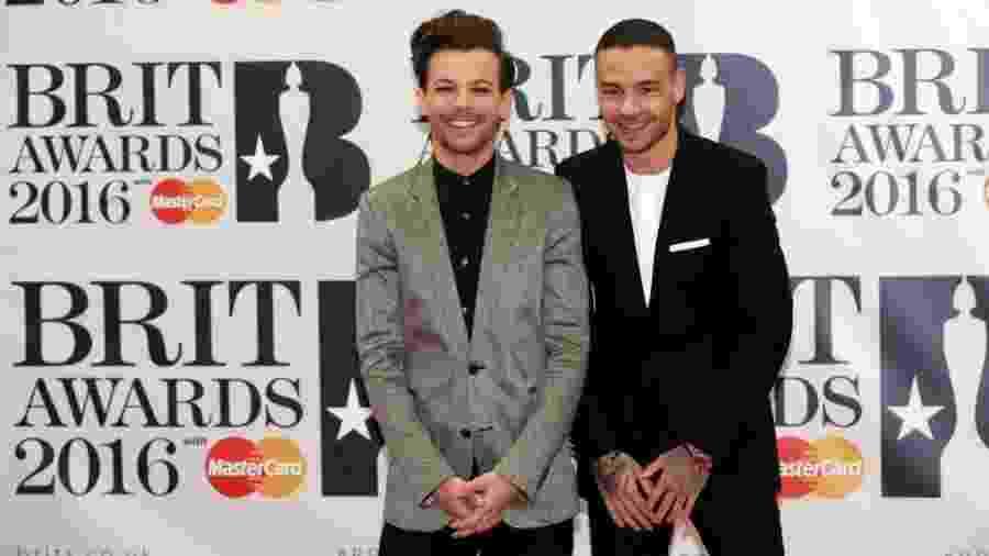 Liam Payne (dir.) com seu ex-colega do One Direction Louis Tomlinson - Paul Hackett/Reuters