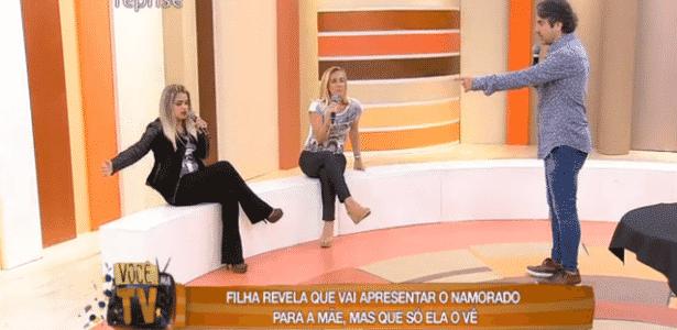 """João Kleber revela o drama da mulher cujo namorado invisível sumiu no """"Você na TV"""" - Reprodução/RedeTV! - Reprodução/RedeTV!"""