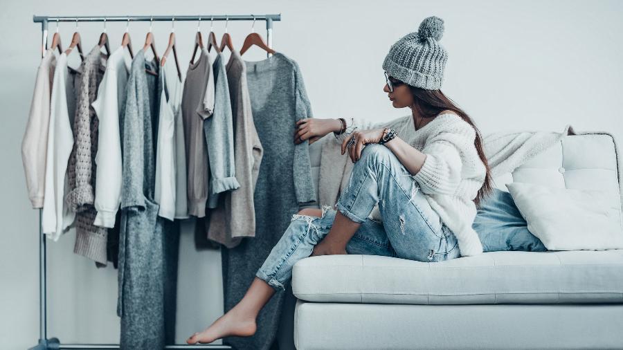 Coloque o guarda-roupa abaixo e selecione peças de que você gosta de verdade e que combinem entre si - Getty Images