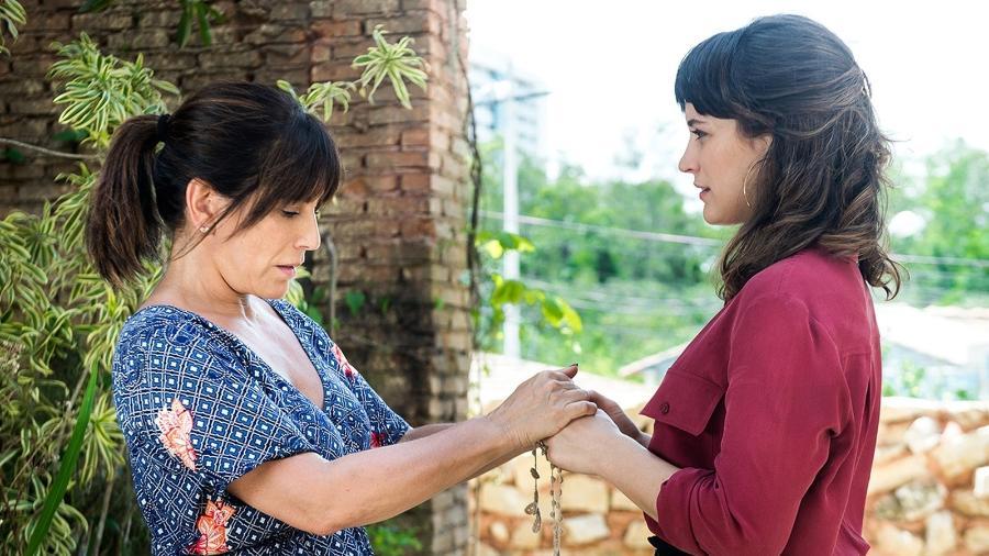 Duda e Clara se encontram e a dona do bordel descobre que é mãe da mocinha - Reprodução/GShow/O Outro Lado do Paraíso