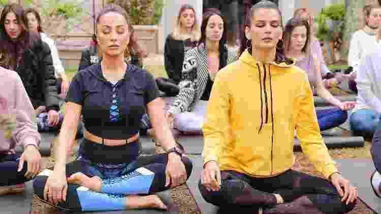 Sabrina faz aula de ioga em São Paulo - Manuela Scarpa/Brazil News - Manuela Scarpa/Brazil News