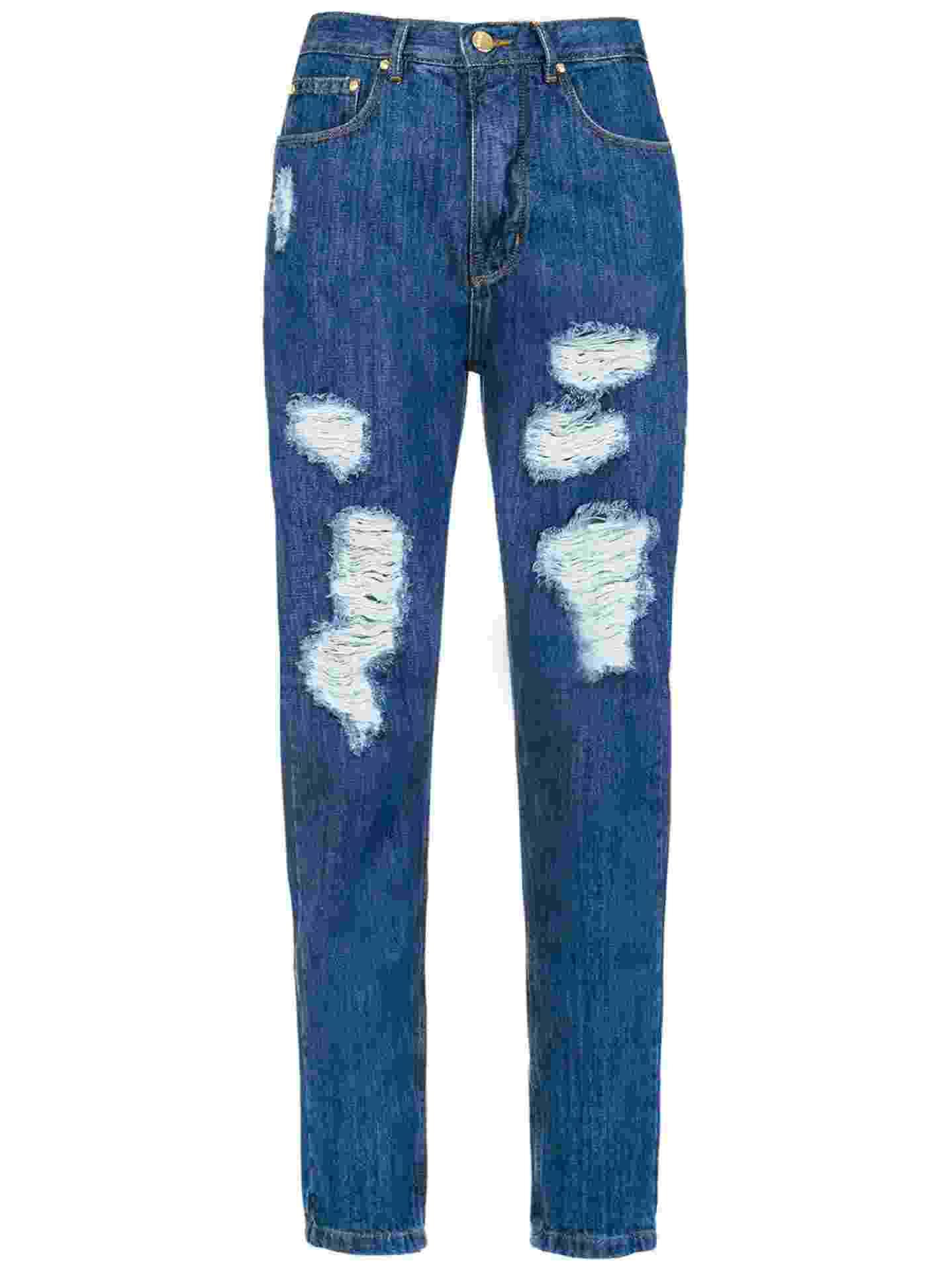 Calça jeans de lavagem escura com rasgos, R$ 455, Amapô, www.amapojeans.com.br - Divulgação
