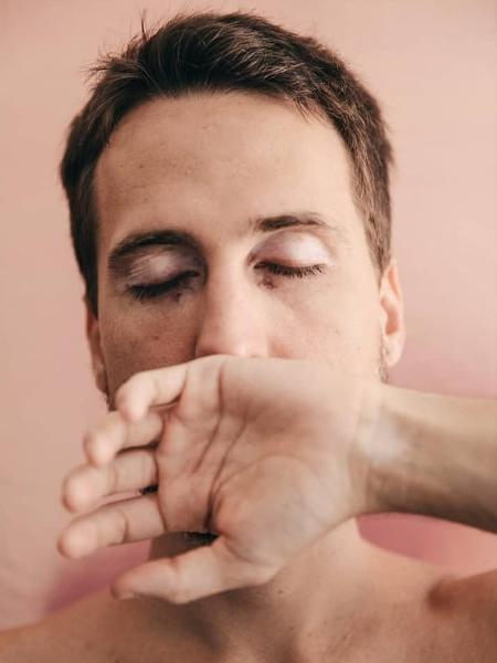 Igor Angelkorte fala sobre vitiligo - Flora Negri/Reprodução/Instagram/igorangelkorte