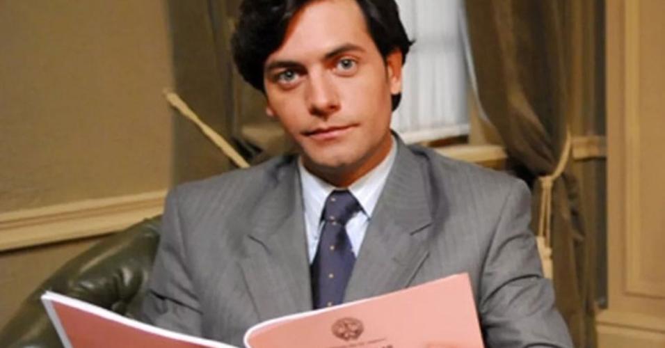 O ator Leonardo Machado em cena da série Na Forma da Lei, da qual foi um dos protagonistas