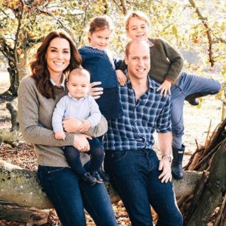 Príncipe William, Kate Midldleton, com os filhos, George, Charlotte e Louis - Reprodução/Instagram