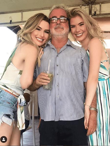 Fernanda Keulla com o pai, José Geraldo, e a irmã, Nathália Vilaça - Reprodução/Instagram