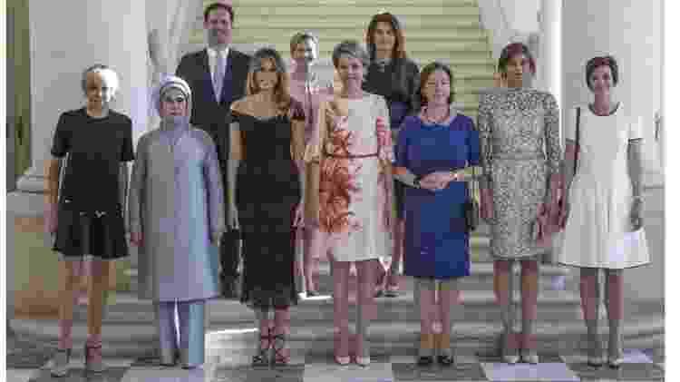 O primeiro-marido de Luxemburgo, Gauthier Destenay, era o único homem no encontro de primeiras-damas numa reunião da OTAN em 2017 - OTAN  - OTAN