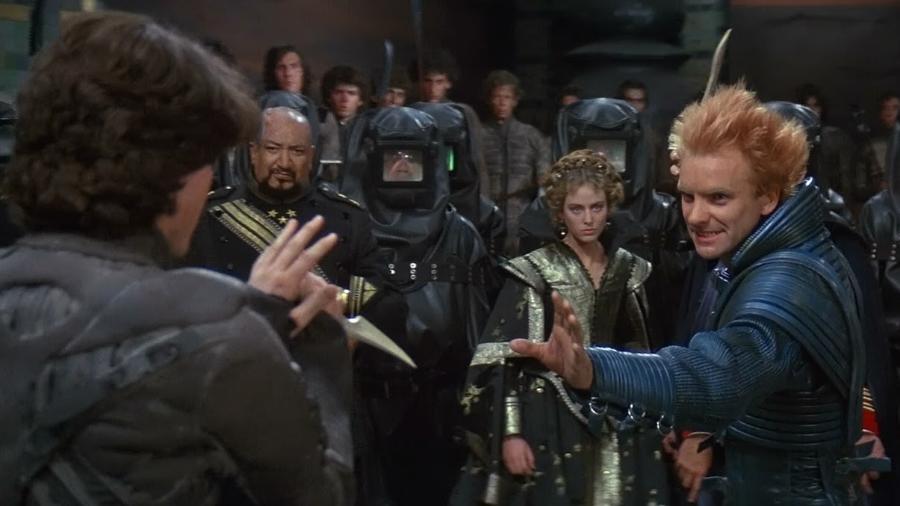 """Virginia Madsen, Kyle MacLachlan, Sting e Siân Phillips em cena de """"Duna"""" (1984) - Divulgação"""