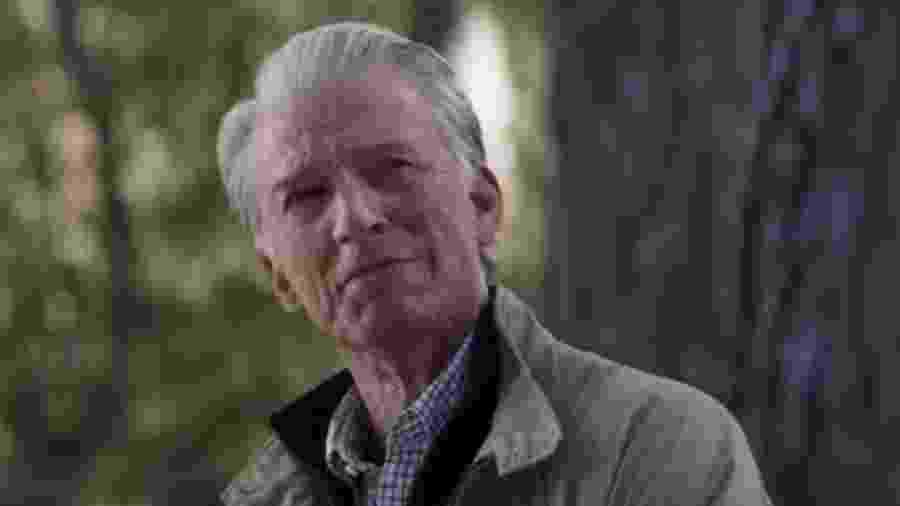 Steve Rogers aparece idoso e com os cabelos brancos ao final de Vingadores: Ultimato - Reprodução