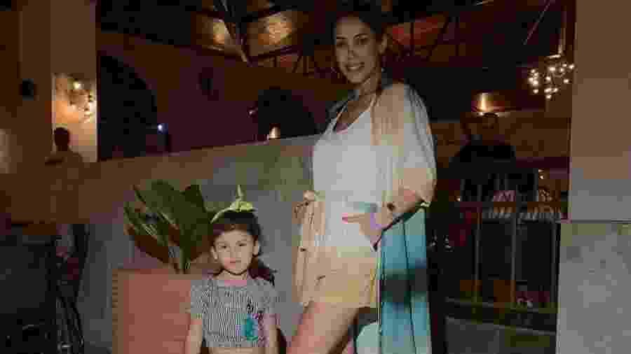 Bella Falconi com a filha mais velha, Victoria: mesmo estilo da mãe - Reprodução/Instagram