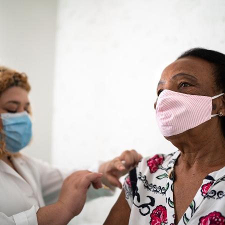 Projeto de monitoramento realizado pela União Pró-Vacina avaliou grupos antivacina brasileiros entre dezembro e janeiro - iStock