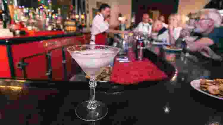 Interior do Floridita, bar favorito de Ernest Hemingway, em Havana (Cuba - Getty Images - Getty Images