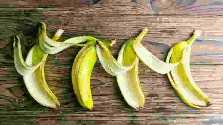 Interior da casca de banana vai ajudar a limpar e fortalecer as folhas da planta - Getty Images/iStockphoto - Getty Images/iStockphoto