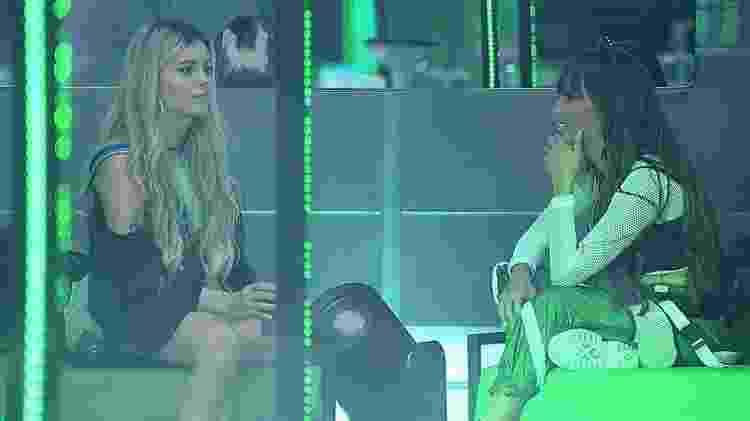 BBB 21: Viih Tube e Thaís cornetam Juliette em festa - Reprodução/Globoplay - Reprodução/Globoplay