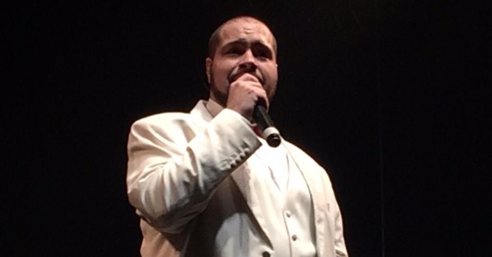 20.jun.2015 - Tiago Abravanel se apresenta no palco Princesa Isabel da Virada Cultural 2015, no centro da cidade de São Paulo, na noite deste sábado (20)