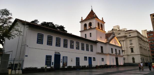 Pateo do Collegio, no centro, fundado pelos jesuítas - Rafael Roncato/UOL/Foto tirada com o LG G4