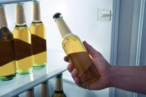Supermercados vendem cerveja até pela metade do preço para o Carnaval (Foto: Getty Images)