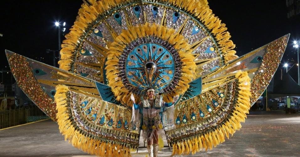 """Kerina Badal apresenta sua inspiração """"Hialeah-The Mystical Fantasy of a Sun Dancer"""", em Trindade e Tobago"""