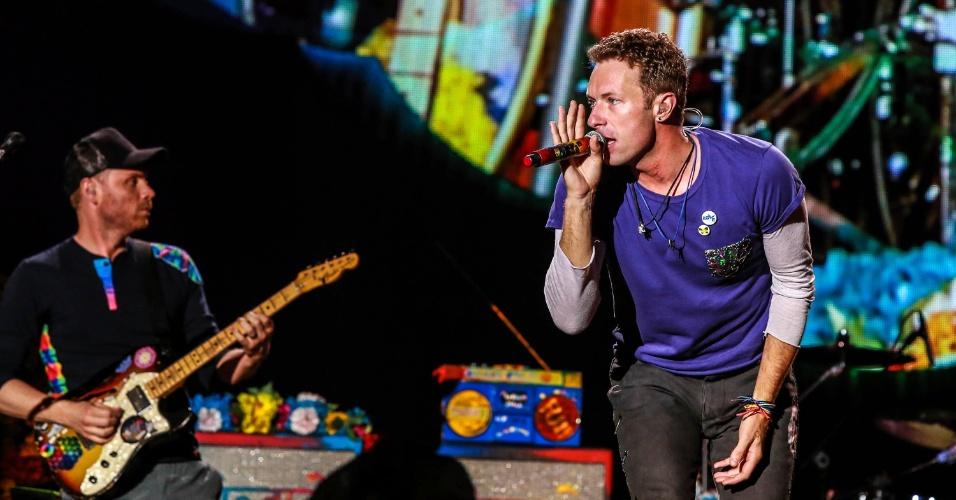 10.abr.2016 - A banda Coldplay se apresenta no Maracanã, no Rio de Janeiro, neste domingo (10)