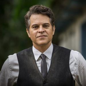 """Juan Alba é Amadeu em """"Velho Chico"""" - Reprodução/""""Velho Chico""""/GShow"""