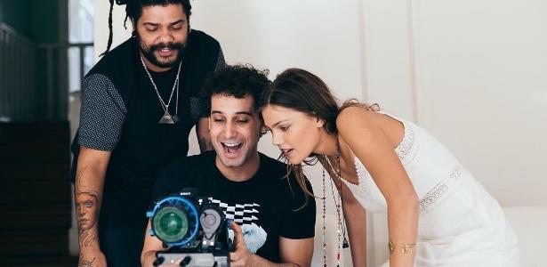 Rafael Almeida dirige clipe da banda Onze:20 com participação da atriz Pâmela Tomé - Reprodução/Instagram/rafaelalmeida