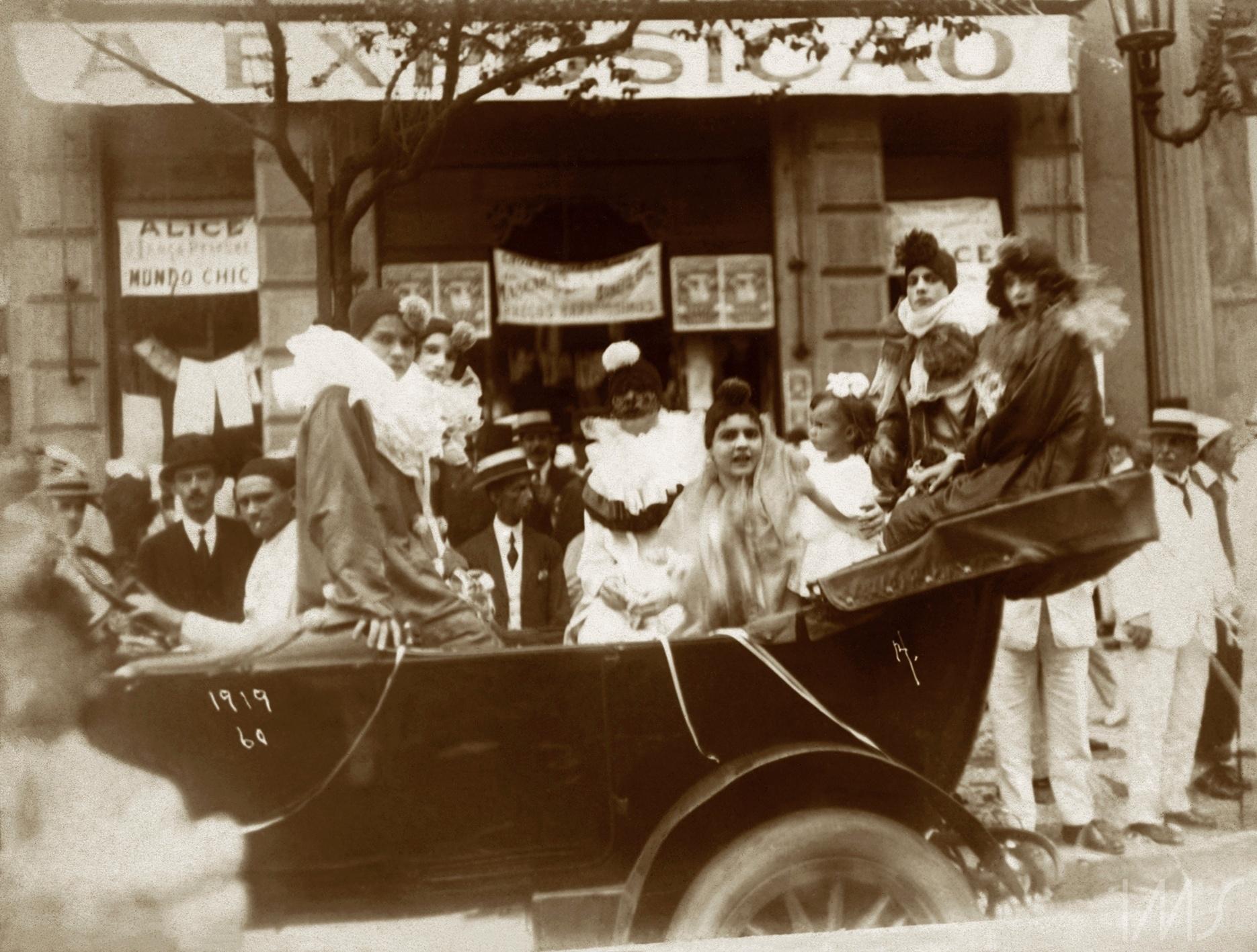 IMS resgata fotos com mais de 100 anos dos carnavais de rua do Rio ...